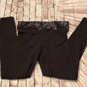 PINK Victoria's Secret black yoga pants small